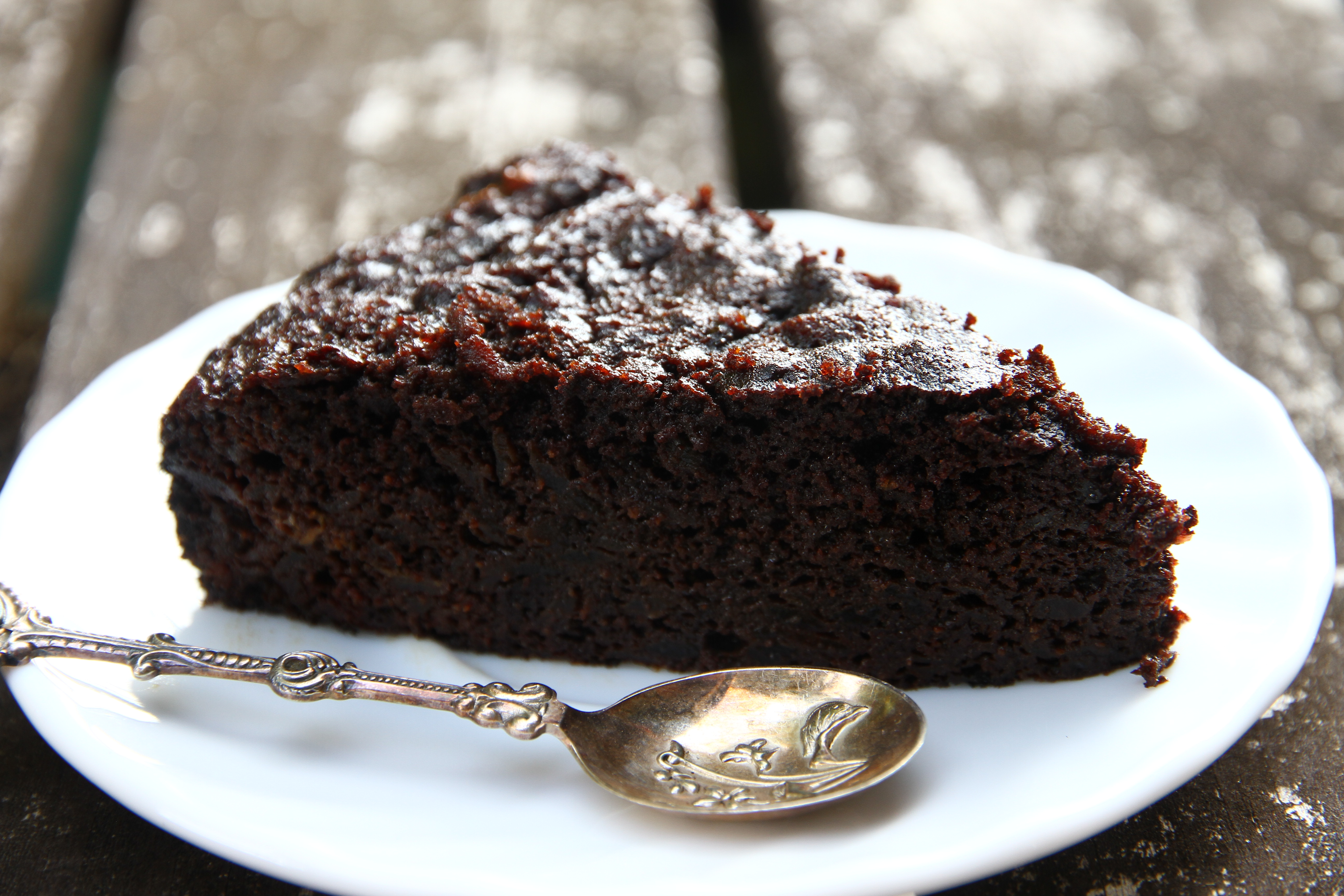 The sweetness of friends and beetroot chocolate cake [paleo ...