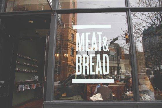 Meat&Bread.Outside